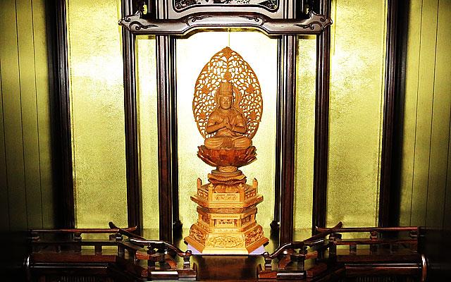 高品質な仏壇を特別価格でご提供致します。