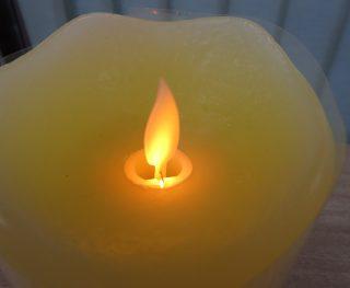 LEDキャンドルライト Candy  可愛い ローソクの形 ゆらゆら揺れる光 カラーは各種あります
