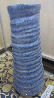 美濃焼 日本陶器の代表 暖か味のある地肌が癒しを誘います。供花用に 花瓶