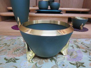 モダン五具足 真鍮と深緑のデザイン ブランド仏具 ~ 希 ねがふ ~ 【仏壇と一緒にご購入の場合お値引いたします!】