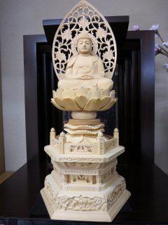 阿弥陀如来 六角台座唐草 桧木 2.5寸 手作り仏像