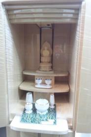 まるで宝石のような光沢・今や貴重なホワイトシカモアで創られた しなやかな肌触り~レモングラス~ モダン仏壇